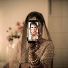 27 Poses for 'Solo' Bridal Photos for Every Clueless Bride-to-Be Indian Wedding Couple Photography, Indian Wedding Photos, Wedding Couple Photos, Romantic Wedding Photos, Bride Photography, Romantic Weddings, Wedding Pictures, Mehendi Photography, Photography Ideas
