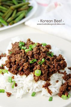 I just made this for dinner. It was quick, easy and very tasty! This Korean Beef recipe is perfect for a quick, easy and flavorful dinner! Serve it over rice for a meal the entire family will love! Korean Beef Recipes, Asian Recipes, Healthy Recipes, Korean Food, Yummy Recipes, Korean Beef Bowl, Korean Chicken, Kabob Recipes, Fondue Recipes