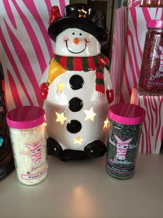 I LOVE Snowman Sam! Beautiful way to decorate for the holidays and a perfect gift idea  www.elassprinkles.com info@elassprinkles.com 530-346-3527
