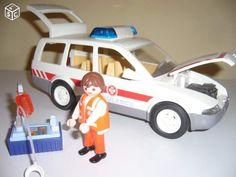 Voiture ambulance PLAYMOBIL