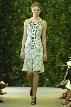 Carolina Herrera Resort 2008 Collection Photos - Vogue