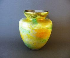 Vase en verre soufflé, Verrerie artisanale de Biot, vert, jaune et or, Tradition des Maîtres verriers, années 80