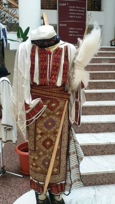 Folk Embroidery, Shirt Embroidery, Romania, Costumes, Traditional, Antiques, Blouse, Shirts, Clothes