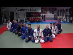 Brazilian Jiu-Jitsu mit Rick Hunley @ Muay Thai Academy Linz  Trainingszeiten:      Dienstag 19:00 – 21:00     Donnerstag 19:00 – 21:00     Freitag 15:00 – 17:00 Brazilian Jiu Jitsu, Muay Thai, Austria, Florida, Training, Gym, Youtube, Linz, Thursday