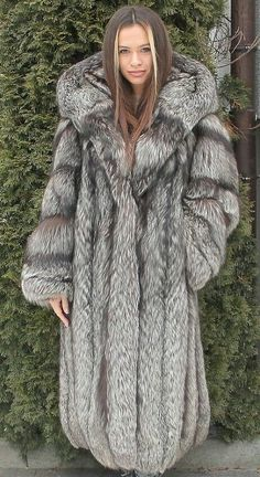 Fur Fashion, Womens Fashion, Fox Fur Coat, Chic Outfits, Style Guides, Mantel, Parka, Sexy Women, Chic Clothing