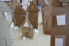 Art Project Girl: Recycled Cardboard City Cardboard City, Cardboard Houses, Recycle City, Cardboard Relief, High Art, Jr High, Art For Kids, Crafts For Kids, Museum Education