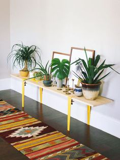 11 home hacks for dealing with small sized rooms from wall hangings to succulents and technology: