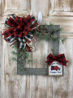 Dollar Tree Christmas, Christmas Truck, Christmas Wood, Christmas Tree Decorations, Christmas Wreaths, Christmas Ideas, Plaid Christmas, Christmas Projects, Christmas Gifts