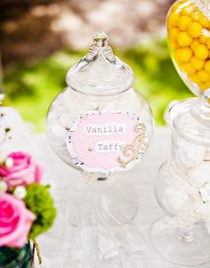 Lovely & Sweet Vintage Wedding Dessert Bar