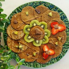 Good morning world  #pancakeaddict #pancake #pancakelove #pancakes #pancakeart #proteinpancakes #protein #heslthyfood #healthy #eatingfortheinsta #eatclean #eathealthy #cleanfood #saudavel #foodisfuel #comerlimpo #iifym #daily #fit #fitness #worklifebalance #womenshealthportugal #fitnessportugal #foodie #breakfast ( # @danielalancinha )