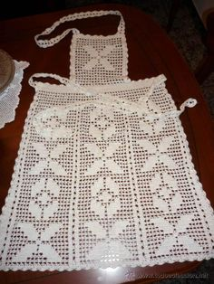 This Pin was discovered by Muk Holiday Crochet, Filet Crochet, Washing Clothes, Tea Towels, Free Pattern, Apron, Crochet Patterns, Ideas, Crochet Home Decor
