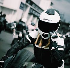 Skully Helmet pic from Acecafeoflondon on female motorcyclist