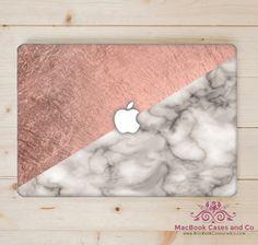 Rose en wit marmeren MacBook geval. MacBook geval. Boven- en onderkant kunststof…