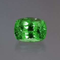 green mint grossular garnet 12.04 cararts ... wow!