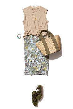 寒色カラーの柄スカートで好感度UPな涼やかコーデ ― A