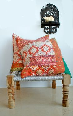 Contrasting colors make the pillows shine