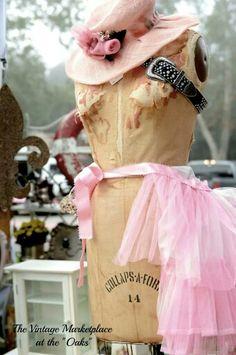 Dress form, pink hat #thevintagemarketplaceattheoaks