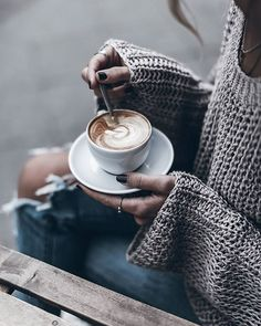 Yum  Coffee & @kelly_love_com ☕ #knitlove #kellylove #capuccino
