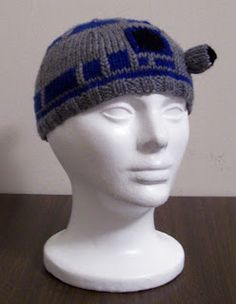 R2D2 hat - free pattern on blog or download through Ravelry