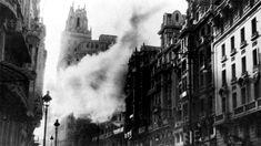 Spain - 1936-39. - GC - Obuses impactando en la Telefónica durante la Guerra Civil