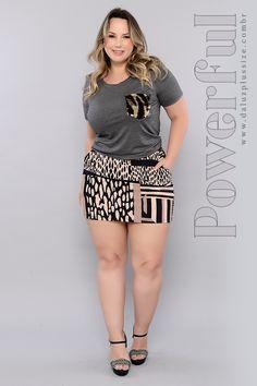 Blusa Plus Size Flory Curvy Women Fashion, Womens Fashion, Looks Plus Size, Sexy Sandals, Plus Size Beauty, Beautiful Legs, Sexy Outfits, Hot Girls, Short Dresses