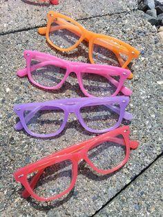 Colorfull frames Round Glass, Frames, Glasses, Colors, Fashion, Eyewear, Moda, Eyeglasses, Fashion Styles