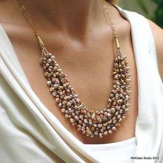 Keishi perla y oro babero declaración collar por WillOaksStudio