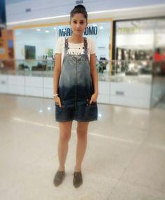 No estilo dos anos 90's  . . . . .  . . . . . #Lookdodia #estilo #ootd  #moda #itgirl #vix #cool #lookcool #details #love #fashion #outfit #streetstyle