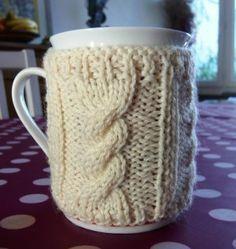 written pattern linked at site Coffee Cup Cozy, Mug Cozy, Crochet Motifs, Knit Crochet, Yarn Trees, Knitting Patterns, Crochet Patterns, Mug Warmer, Flower Festival