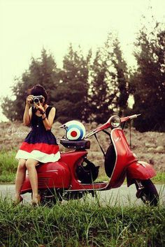 I love a mod girl. Especially on a Vespa.