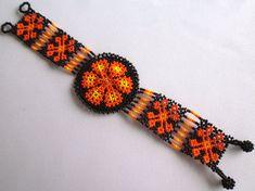 Huichol Beaded Flower Bracelet van Aramara op Etsy