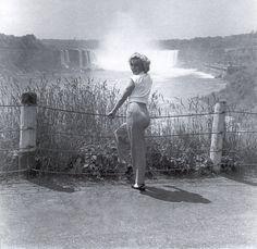 "Marilyn Monroe while filming ""Niagara"" 1953"