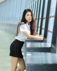 Beautiful Girl Body, Beautiful Asian Women, University Girl, Girls In Mini Skirts, Cute Japanese Girl, Poker Online, Cute Asian Girls, Girl Model, Aesthetic Girl