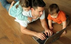 """Do you consider yourself to be a """"digital dad?"""" If you use social media to connect with your kids or other parents, count yourself as part of this savvy group. Writing Websites, Online Writing Jobs, Freelance Writing Jobs, Online Jobs, Cool Websites, Freelance Websites, Online Income, Marketing Online, Marketing Digital"""