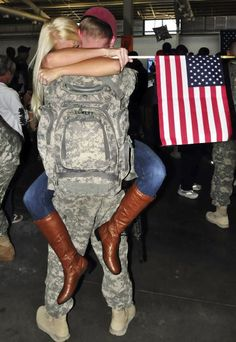 What life is all about, coming home to the ones you love. Military Homecoming, Military Love, Army Life, Thing 1, Coming Home, Hopeless Romantic, Back Home, Make Me Smile, True Love