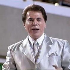 Silvio paga R$ 3 mil a quem achar terno desaparecido em 2001
