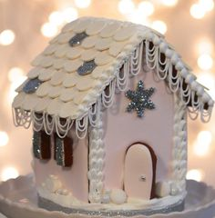 How to Make a Gingerbread House 2013 by Sweetopia. The most adorable, whimsical gingerbread houses Gingerbread House Template, Gingerbread House Designs, Gingerbread Village, Christmas Gingerbread House, Gingerbread Train, Christmas Uk, Christmas Tree Cookies, Holiday Cookies, Christmas Crafts