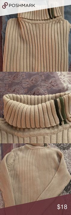 Old navy size large cable sweater Old navy size large cable sweater Old Navy Sweaters Cowl & Turtlenecks