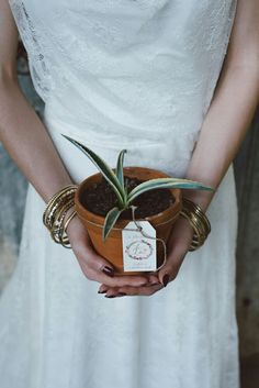 Tag - Wreath flower with marsala color | Indie Wedding Inspiration