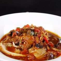 Rich, satisfying slow cooker chicken cacciatore!