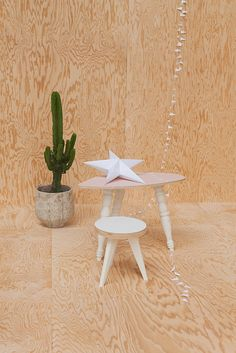 Petite table kid  #madeinfrance# #wood #createur  #home #housebed #litcabane #chambreenfants #kid #décoration #déco#chambre