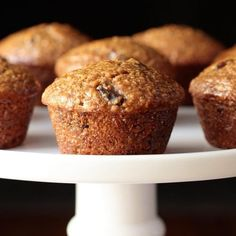 Super moist and delicious, these easy One Bowl Buttermilk Bran Muffins roll out of the oven with rounded, bakery-style, tops! Honey Bran Muffins, Blueberry Crumb Muffins, Buttermilk Muffins, Banana Oatmeal Muffins, Yogurt Muffins, Buttermilk Recipes, Healthy Muffins, Bakery Muffins, Yummy Things To Bake