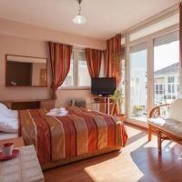 Booking.com: Hotely v destinácii: Ochrid. Rezervujte si hotel ešte dnes! Bed, Furniture, Home Decor, Decoration Home, Stream Bed, Room Decor, Home Furnishings, Beds, Home Interior Design