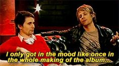 #muse #music #rock #band #mattbellamy #domhoward #belldom #interview #gif #funny