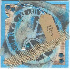 Op deze kaart is kaaslinnen met behulp van een sjabloon bewerkt met acrylverf. Afgewerkt met stukje jute, label, knoopjes etc.