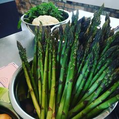 About to host a French degustation corp team build event for Healthy Eating Tips, Easy Healthy Recipes, Soup Starter, Starters, Asparagus, Soups, Low Carb, Tasty, Mood