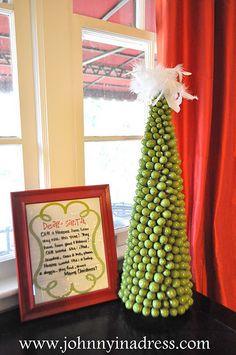 Green Acorn Christmas Topiary Tree