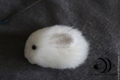 Crafts To Sell, Diy Crafts, Fur Accessories, Cute Plush, Diy Flowers, Lapel Pins, Beaded Embroidery, Needle Felting, Diy Fashion