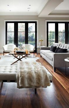 un joli salon avec parquet castorama en bois foncé