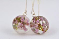 Lila Earrings with Heather Resin and Silver Earrings by Caldesia Resin Jewelry, Pendant Jewelry, Flower Necklace, Flower Jewelry, Real Flowers, Dried Flowers, Clear Resin, My Boutique, Flower Pendant